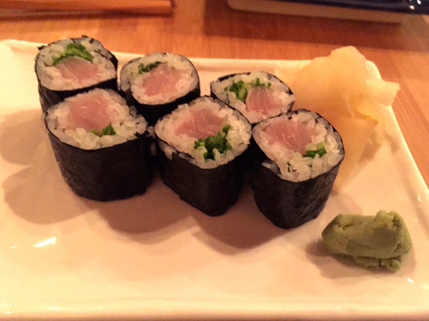Negi hamachi maki - yellowtail, scallion