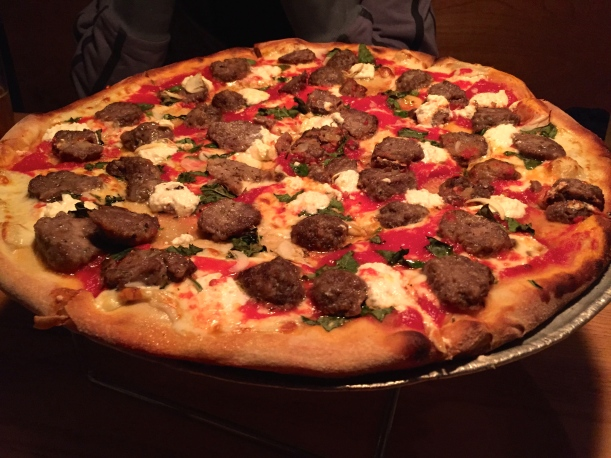 Meatball, Ricotta & Garlic Pizza